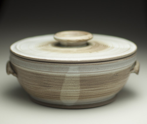 Casserole pot by Glyn Ryland